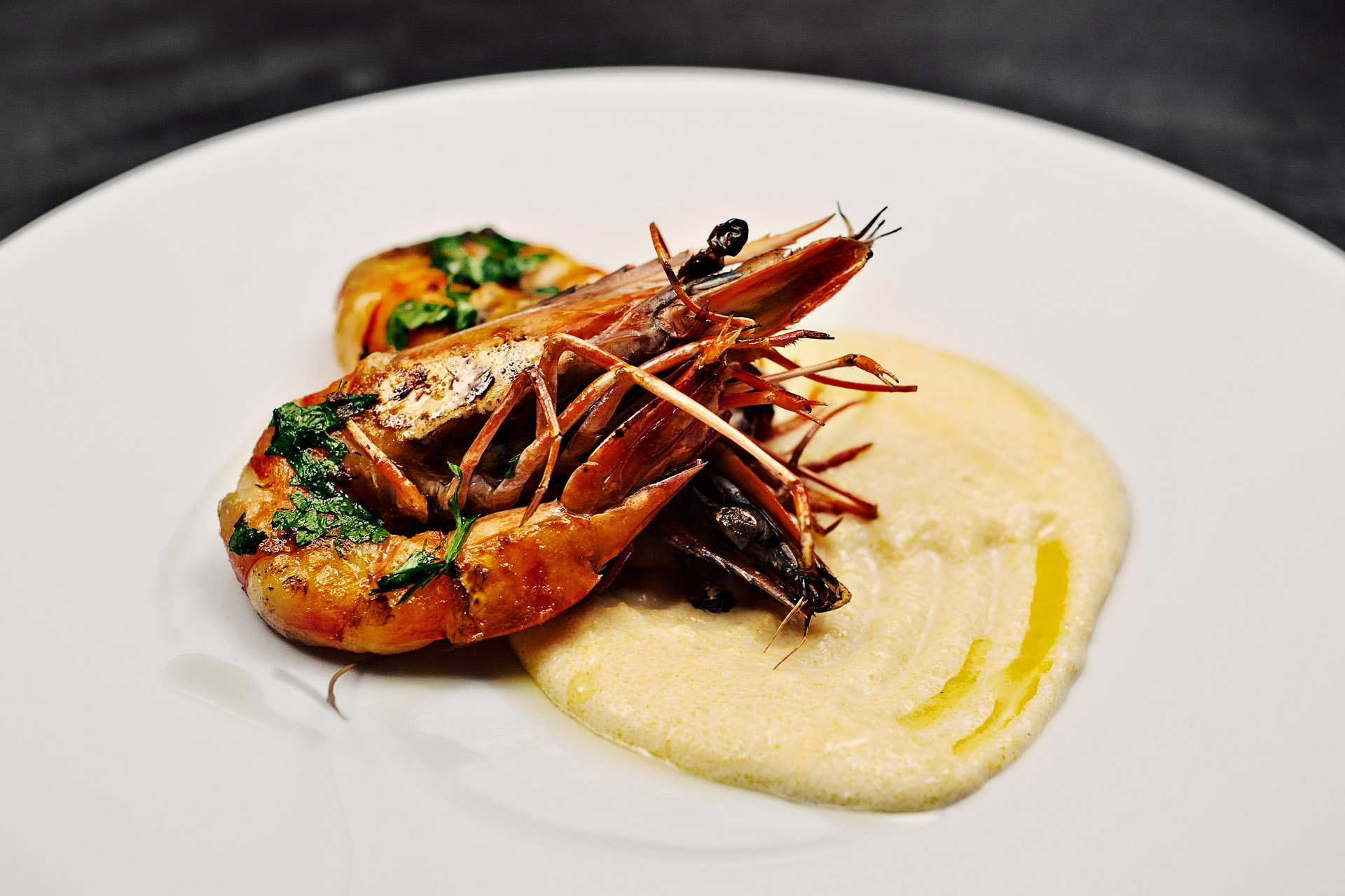Food pictures Tiger shrimps with smashed potatoes
