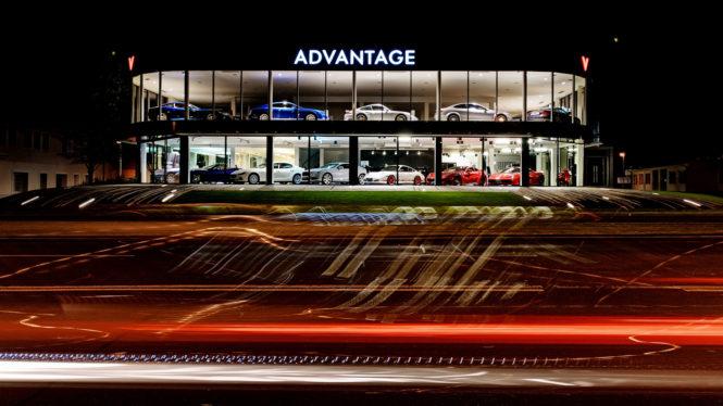 Architektura - exteriér, auta