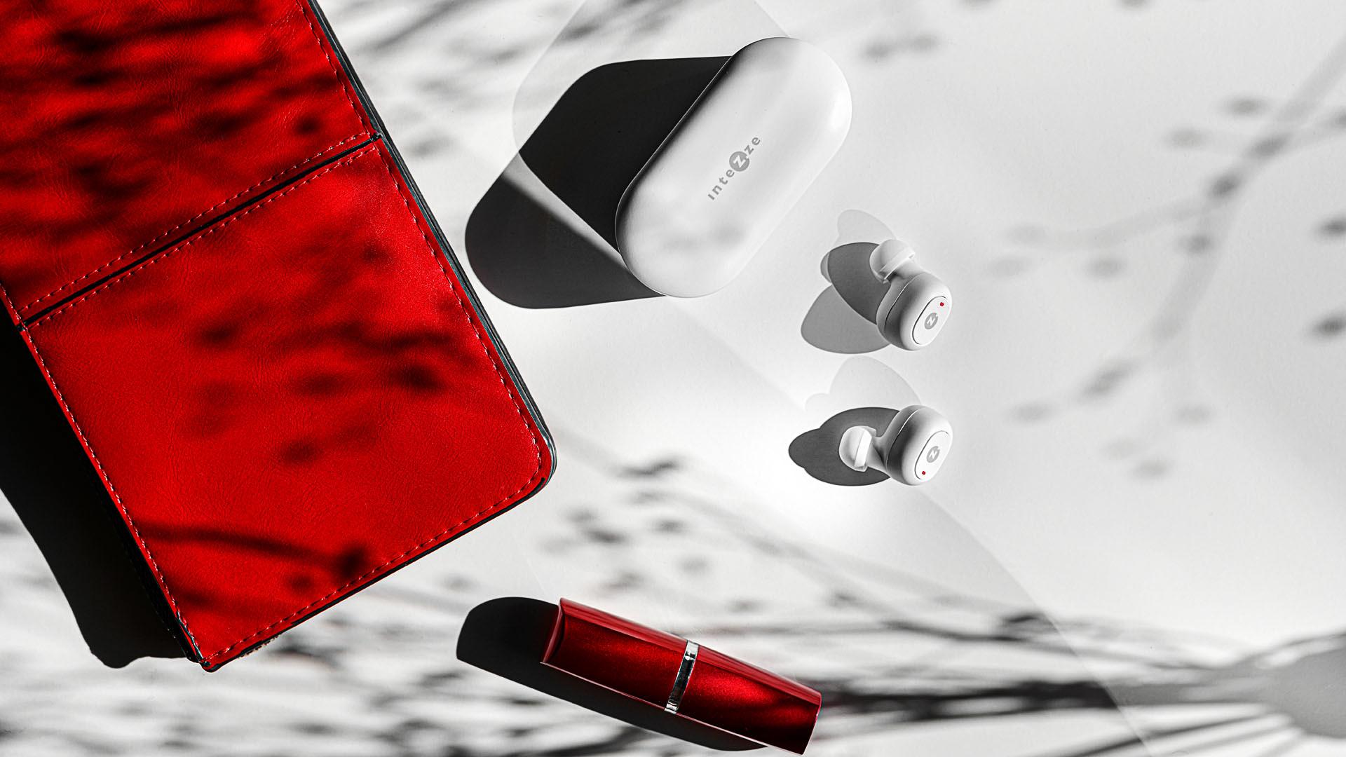 Focení produktu-sluchátka intezze piko